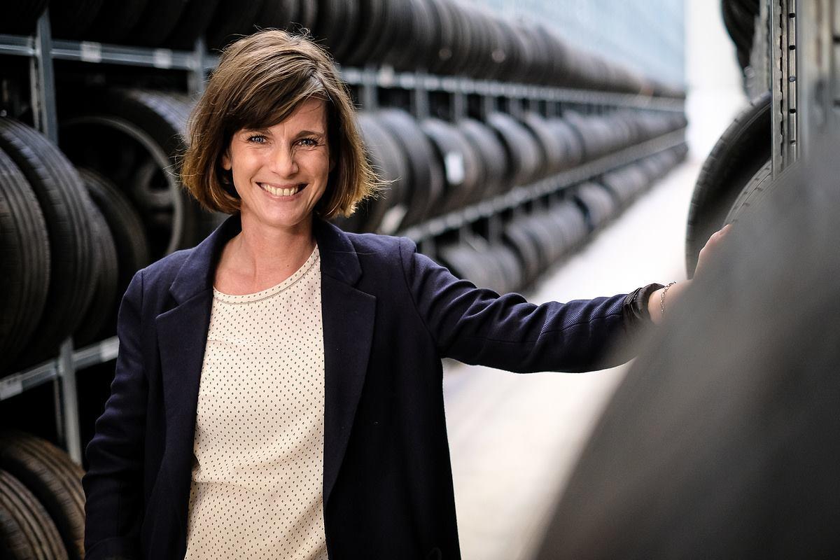 Die Reifenwechsler Business Portrait Employer Branding Frau Businessfoto