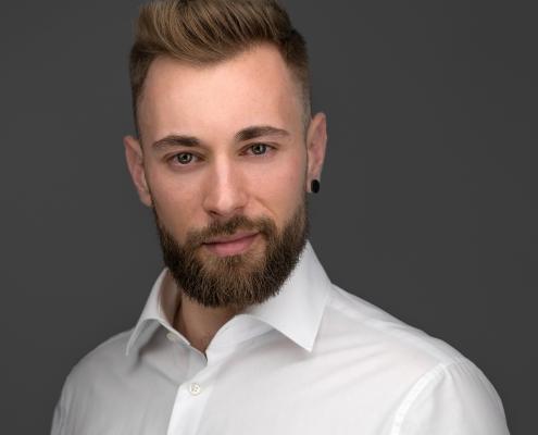 professionelles modernes Bewerbungsfoto Businessportrait Experte Portrait